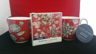 2 Bekers Sorrento en 1 p/6 Onderzetters Etchings & Roses red