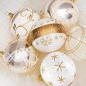 papieren-kerst-servetten-Xmas-Spirit-kerstballen-goud-wit